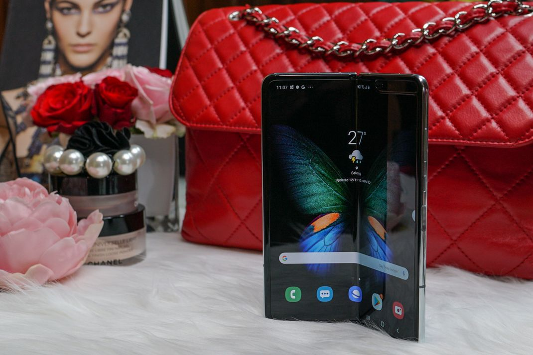 tekno samsung galaxy fold hands on