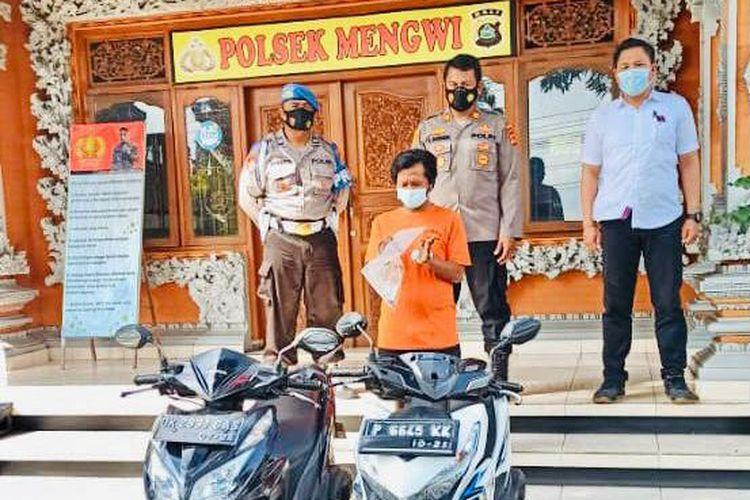 Pelaku pencurian sepeda motor di banjar Kebayan, Mengwi, Kabupaten Badung.