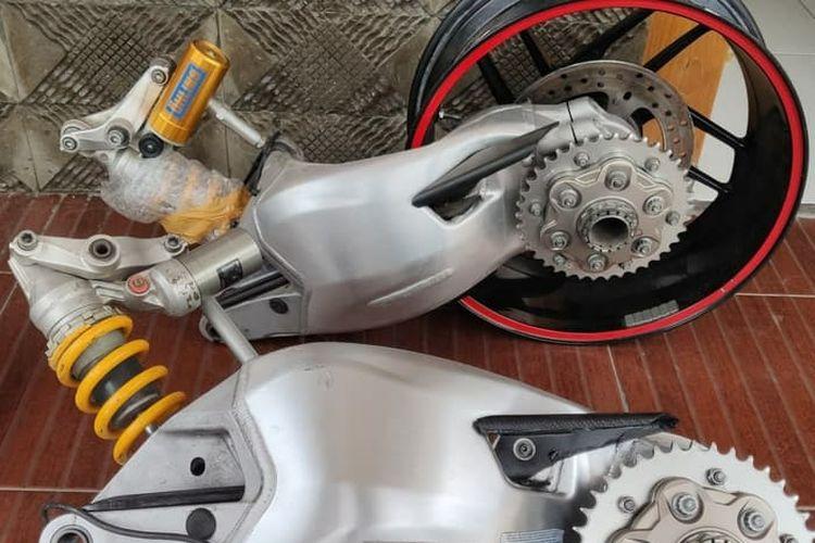 Limbah copotan single arm Ducati