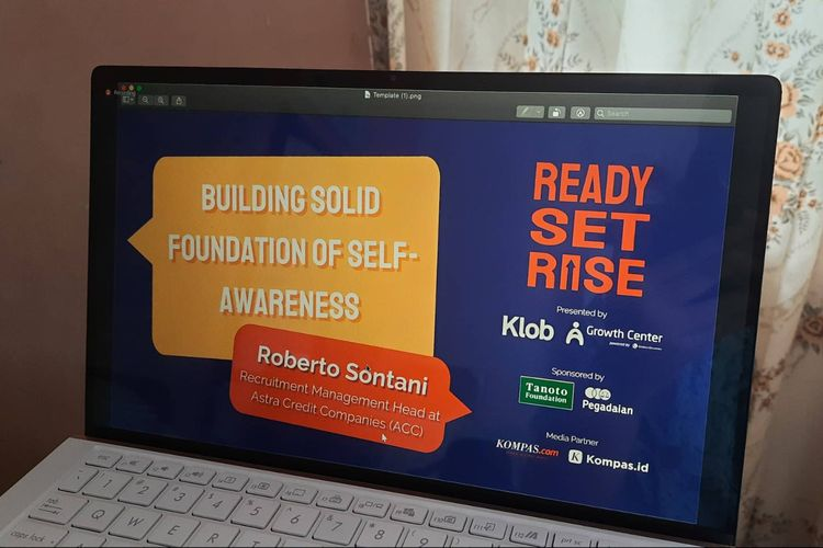 Poster web seminar Ready Set Rise yang bertajuk Building Solid Foundation of Self-Awareness pada Jumat (2/10/2020) lewat aplikasi Zoom.