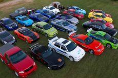 Pria Asal Kanada Koleksi Replika Mobil