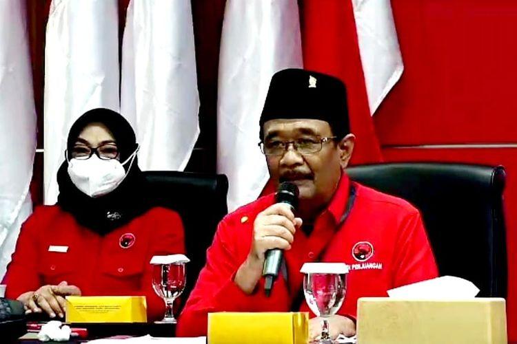 Ketua DPP Partai Demokrasi Indonesia Perjuangan (PDI-P) Djarot Saiful Hidayat dalam acara pembukaan Sekolah Partai pendidikan untuk Kader Madya DPP PDI-P di Sekolah Partai, Lenteng Agung, Jakarta Selatan, Jumat (10/9/2021).