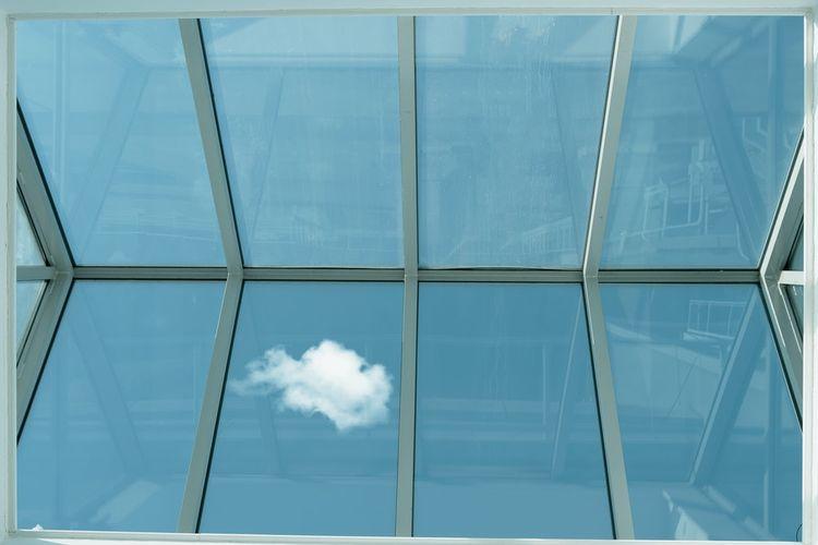 Ilustrasi skylight di rumah.