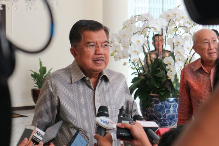 Wakil Presiden RI Jusuf Kalla ketika ditemui di kantor Wakil Presiden RI, Jakarta, Selasa (13/2/2018).