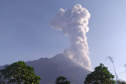 6 Fakta Terkini Gunung Merapi Semburkan Awan Panas, Akumulasi Gas hingga Hujan Abu Tipis