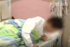Guru di China Paksa Muridnya Makan Sampah sebagai Hukuman