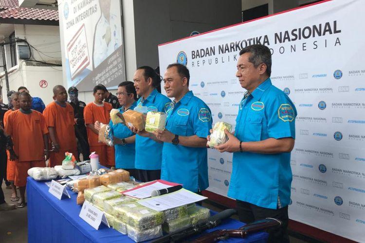 Konferensi pers Badan Narkotika Nasional (BNN) soal menggagalkan penyelundupan narkotika sindikat internasional dari Malaysia, di Kantor BNN, Jakarta Timur, Rabu (14/11/2018).
