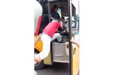Video Viral Sopir Bus Dihajar Warga karena Ngeblong di Lamongan