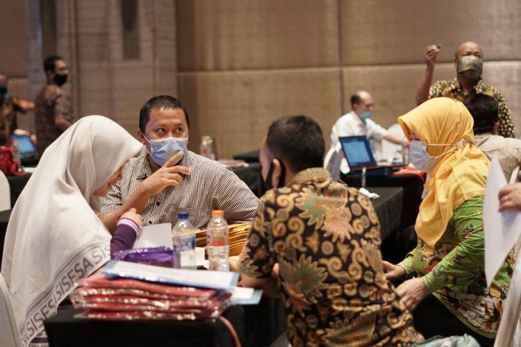 Suasana penjurian Lomba Kompetensi Siswa (LKS) 2020 SMK yang mengambil tema Melejitkan Prestasi di Bidang Vokasi di Masa Pandemi berlangsung 18-24 Oktober 2020 dan melombakan 42 bidang kompetensi.