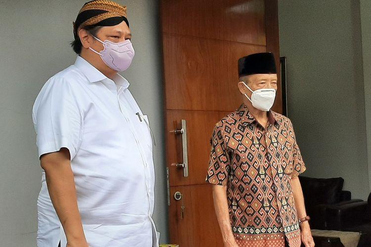 Menteri Koordinator Bidang Perekonomian Airlangga Hartarto saat usai berpamitan dengan Buya Syafii Maarif.