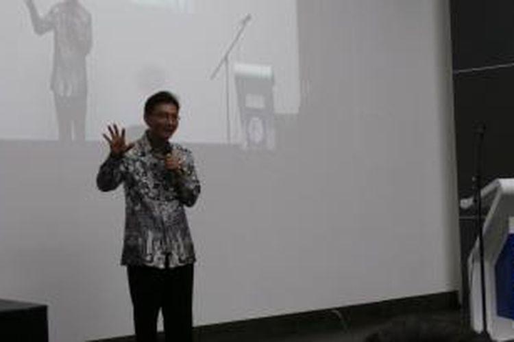 CEO Kompas Gramedia, Agung Adiprasetyo sebagai pembicara Comned 2013, di Universitas Multimedia Nusantara, Jakarta, Kamis (28/11/2013).