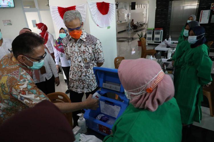 Ganjar memastikan persiapan vaksinasi untuk tenaga kesehatan yang akan dilakukan serentak pada Kamis (14/1/2020).