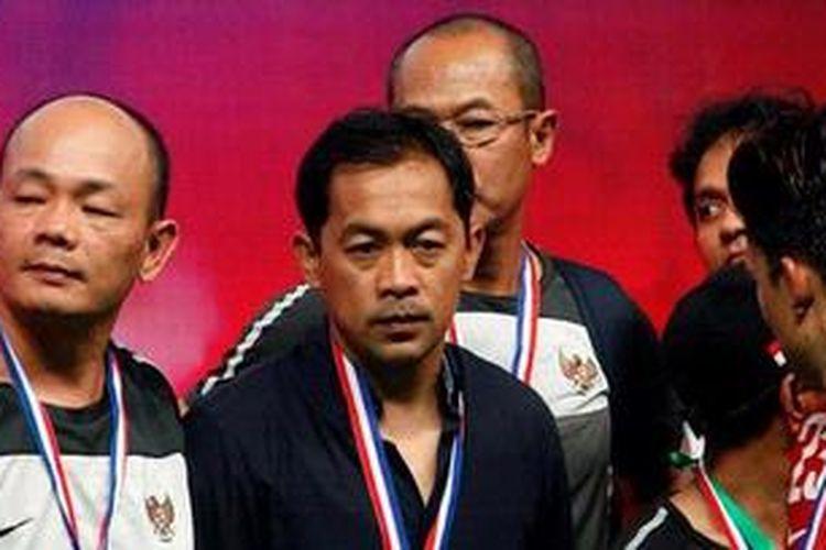Pelatih Indonesia U-23, Aji Santoso (tengah).
