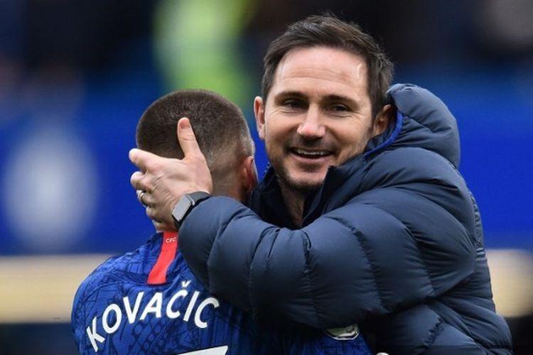 Frank Lampard dan Mateo Kovacic seusai laga Chelsea vs Tottenham Hotspur dalam lanjutan pekan ke-27 Liga Inggris.