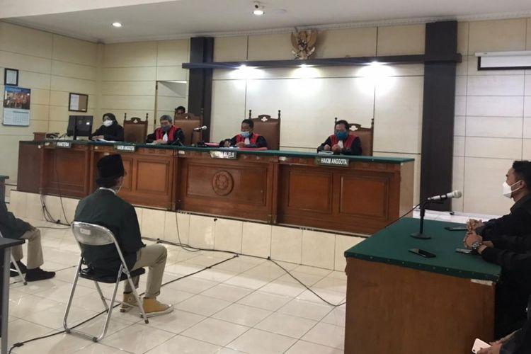 Persidangan empat mahasiswa pendemo Omnibus Law di PN Semarang, Selasa (8/6/2021)