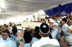 Lantunan Shalawat Menggema Antar Istri Wakil Wali Kota Ambon ke Pemakaman