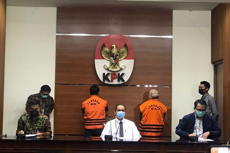 Komisi Pemberantasan Korupsi (KPK) menetapkan Bupati Kolaka Timur Andi Merya Nur sebagai tersangka terkait dugaan korupsi pengadaan barang dan jasa di Pemerintah Kabupaten Kolaka Timur, Sulawesi Tenggara pada Rabu (22/09/2021).