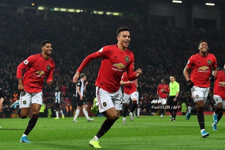 Striker Manchester United, Mason Greenwood, merayakan gol ke gawang Manchester United pada laga Boxing Day Liga Inggris di Stadion Old Trafford, Manchester, Kamis (26/12/2019).