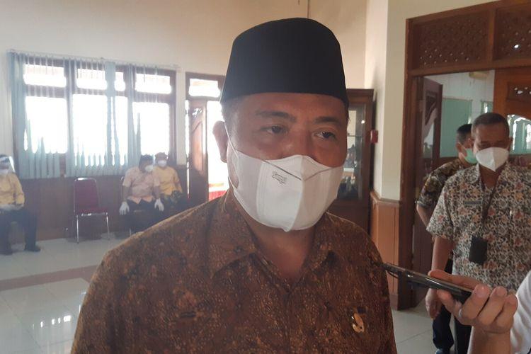 Bupati Karanganyar Juliyatmono ditemui seusai mengikuti Rakor Program Pencegahan Korupsi Terintegrasi pada Pemda di wilayah Karesidenan Surakarta di Solo, Jawa Tengah, Selasa (23/3/2021).