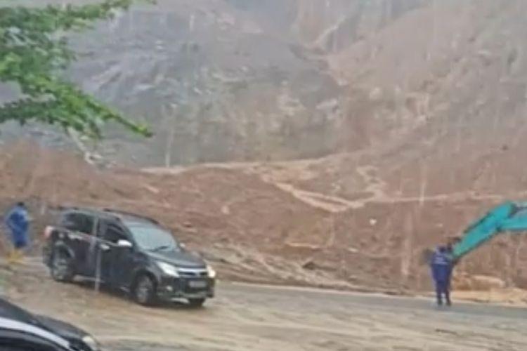 Tambang galian C di Kelok Jariang, Bungus Padang ditutup sementara karena menyebabkan longsor