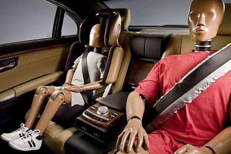 Seat belt belakang