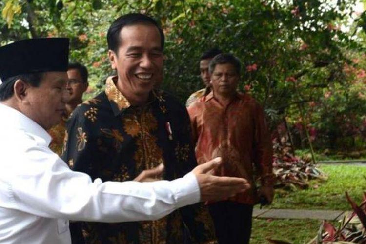 Presiden Joko Widodo saat bertemu Ketua Umum Partai Gerindra Prabowo Subianto di Hambalang, Bogor, Senin (31/10/2016).