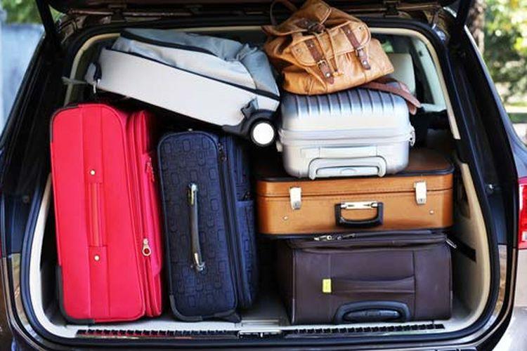 Ilustrasi bagasi mobil yang overload