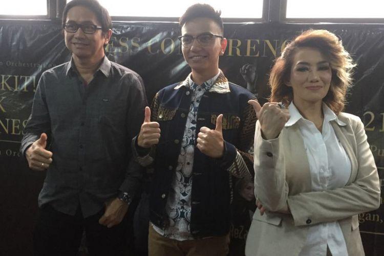 Kiri ke kanan; Addie MS (komposer musik), Riki Putra (gitaris), dan Reza Artamevia (penyanyi) berpose dalam jumpa pers konser Bangkit Musik Indonesia di Kolega Coworking Space, Cipete Selatan, Jakarta Selatan, Jumat (13/7/2018).