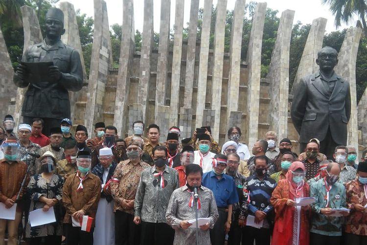Deklarasi Koalisi Aksi Menyelamatkan Indonesia (KAMI) di Tugu Proklamasi, Jakarta, Selasa (20/8/2020). Hadir sejumlah tokoh seperti Din Syamsuddin, Gatot Nurmantyo, dan Said Didu.