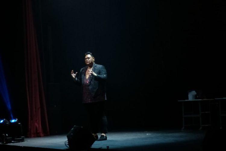 Ivan Gunawan beraksi dalam Ivan Gunaaan Live On Stage Story Of My Life di Ciputra Artpreneur Theater, Kuningan, Jakarta Selatan Jumat (2/8/2019).