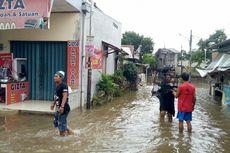 Sebagian Warga Serpong Utara Masih Terjebak Banjir yang Belum Surut
