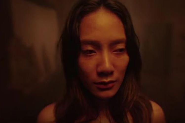 Potongan trailer film Perempuan Tanah Jahanam yang dibintangi Tara Basro.