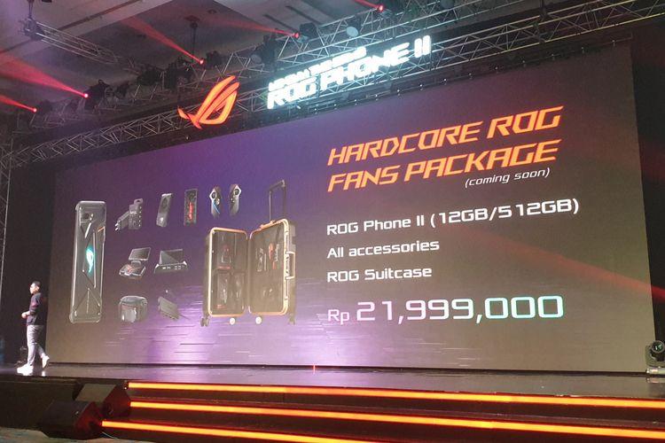 Jimmy Lin selaku Asus Regional Director Southeast Asia memamerkan harga bundling termahal ROG Phone 2.