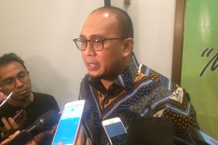 Wakil Sekretaris Jenderal Partai Gerindra, Andre Rosiade menanggapi mundurnya Kepala BPIP Yudi Latif, di Bakoel Coffie, Jakarta, Jumat (8/6/2018).