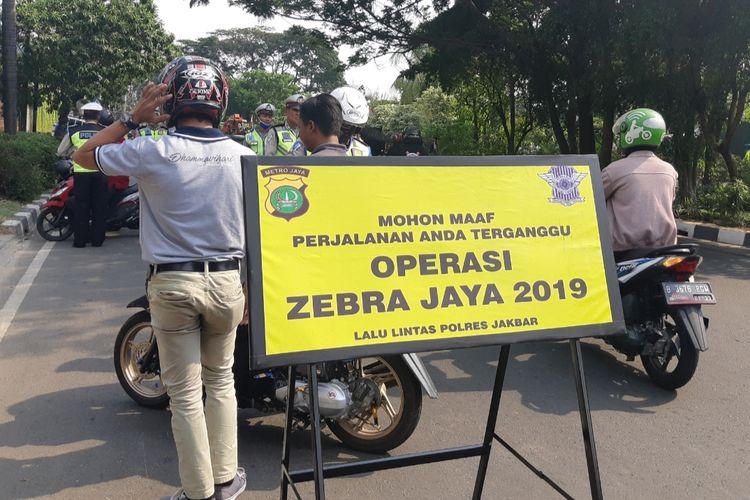 Operasi Zebra yang dilakukan di wilayah Jakarta Barat, Rabu (23/10/2019)