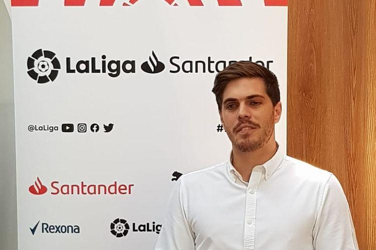 Rodrigo Gallego, Delegate of LaLiga Global Network, Indonesia, memaparkan presentasinya mengenai bagaimana LaLiga musim ini dapat menjadi liga yang paling kompetitif di Eropa, Kamis 21 November 2019.