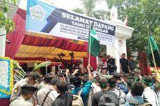 Puluhan Mahasiswa Demo Saat Pelantikan DPRD Lhokseumawe