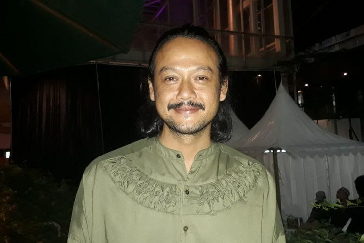 Dwi Sasoni saat menghadiri gala premier film Chrisye di XXI Epicentrum Walk, Kuningan, Jakarta Selatan, Jumat (1/12/2017) malam.