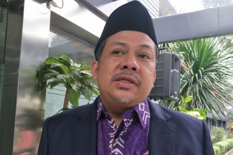 Wakil Ketua DPR RI Fahri Hamzah menyambangi gedung Direktorat Kriminal Khusus Polda Metro Jaya, Selasa (26/6/2018).