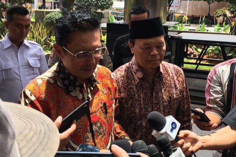 Wakil Ketua MPR Fadel Muhammad dan Hidayat Nur Wahid tiba di Gedung Merah Putih KPK, Senin (9/3/2020).