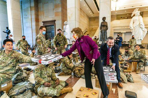 """Siaga 24 Jam, Gedung Capitol Berubah Jadi """"Barak"""" Garda Nasional AS"""