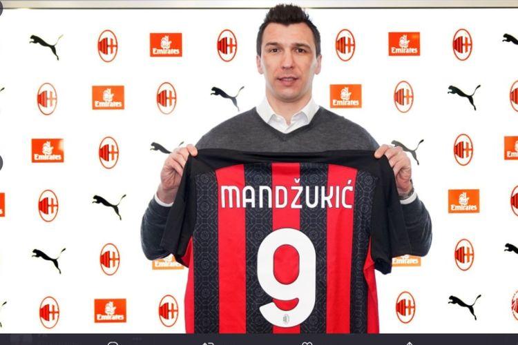 Mario Mandzukic memilih nomor 9 di AC Milan.