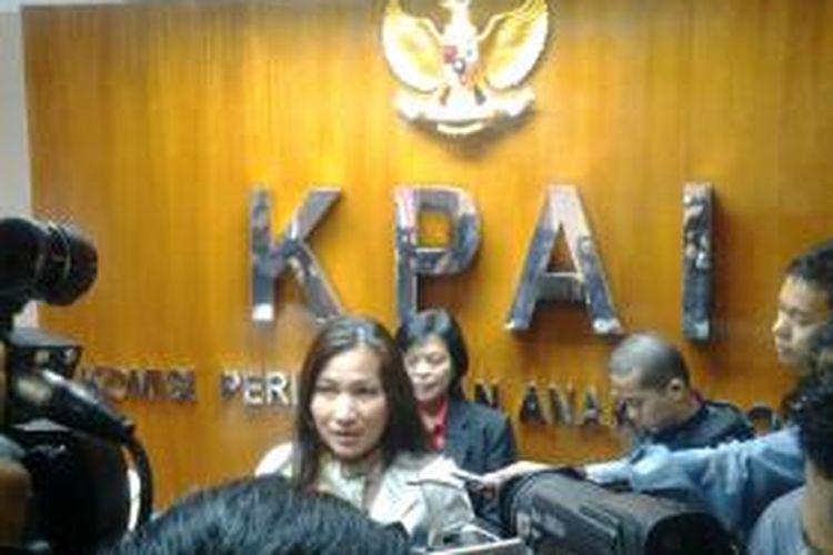 Sekjen KPAI Erlinda memberikan keterangan pers kepada wartwan di Gedung KPAI, Rabu (23/4/2014).
