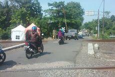 Kisah Penjaga Lintasan KA Tak Berpintu, Usir Orang Gila hingga Hentikan Pengguna Jalan