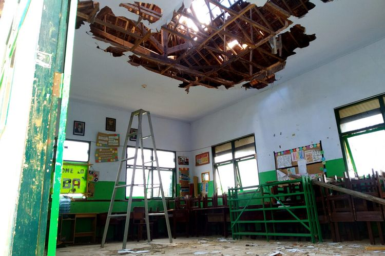 A Classrooms' roofs and ceilings collapsed following an earthquake in Malang, East Java on Saturday, April 10.