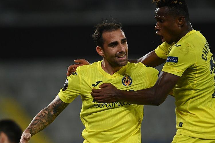 Penyerang Villarreal, Paco Alcacer, merayakan golnya ke gawang Qarabag (Azerbaijan) dalam rangkaian matchday kedua Liga Europa di Stadion Fatih Terim, Jumat (30/10/2020) dini hari WIB.