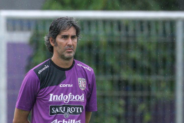 Pelatih Bali United, Stefano Teco Cugurra.