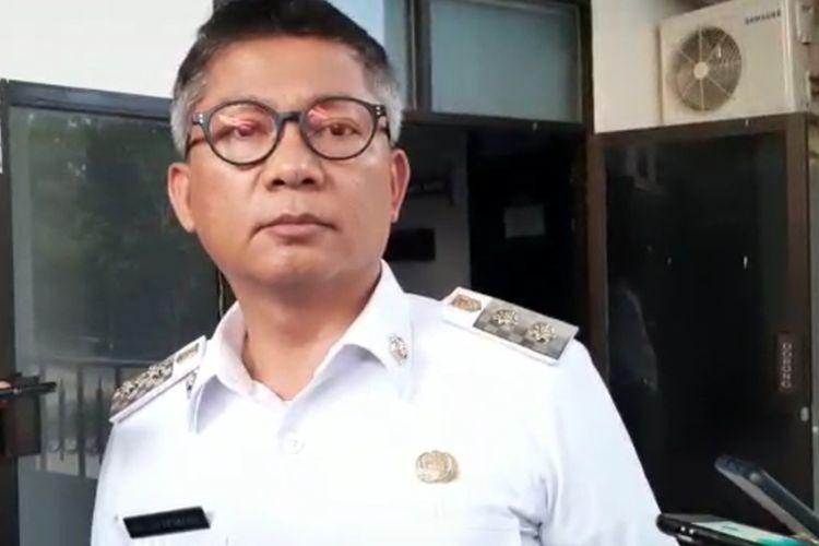 Wakil bupati Konawe Gusli Topan Sabara saat memberi keterangan kepada sejumlah awak media