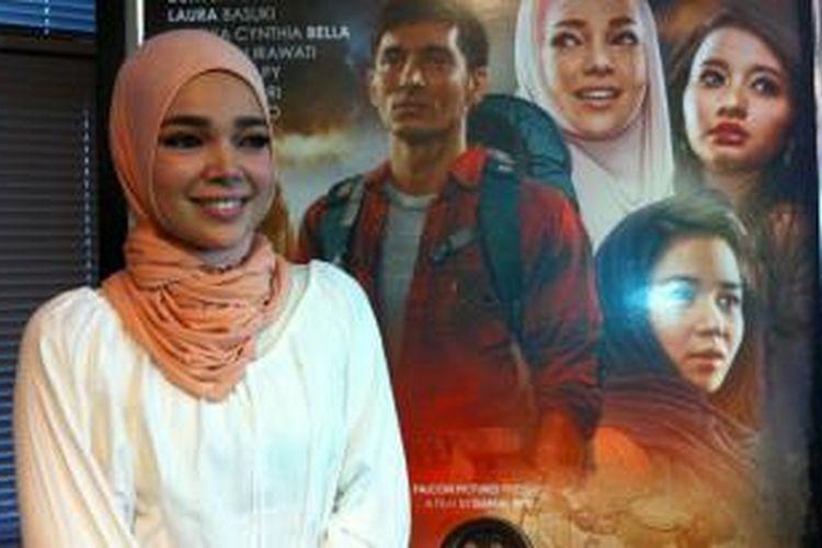 Dewi Sandra hadir dalam jumpa pers peluncuran klip video lagu