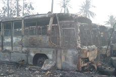 Petugas Sempat Kesulitan Padamkan Api yang Membakar Puluhan Bus di Pondok Cabe